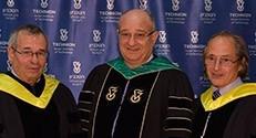 (מימין לשמאל) פרופסור מיכאל לויט, נשיא הטכניון פרופסור פרץ לביא ופרופסור אריה ורשל בטקס הענקת תואר 'דוקטור לשם כבוד' מהטכניון