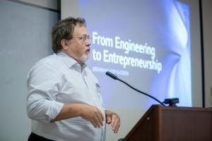 פרופ' ג'ונתן ג'וויט, יזם ומרצה בבית הספר לרפואה באוניברסיטת ג'ונס הופקינס