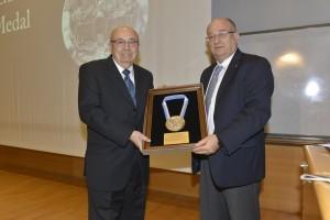 - Technion President Prof. Peretz Lavie gives Prof. Viterbi the Technion Medal