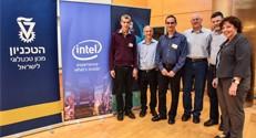 מימין לשמאל: שלומית וייס, גדי זינגר,יואב הוכברג, אריאל אורדע, רן סנדרוביץ ועירד יבנה