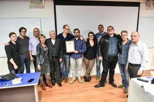 הזוכים במקום הראשון במרתון היזמות קבוצת הסטודנטים EZTEST עם השופטים
