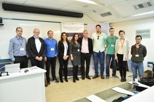 צוות בנק הפועלים עם דיקן הפקולטה להנדסת תעשייה וניהול פרופ' אבישי מנדלבאום וצוות BizTEC