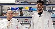 גדיאל סאפר (משמאל) ודן קלמן במעבדה בטכניון