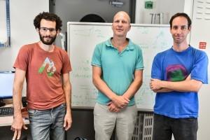 מימין לשמאל: נמרוד קרוגר, פרופ'-משנה כרמל רוטשילד, אסף מנור