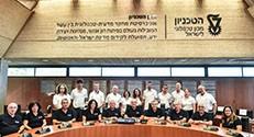 חברי הנהלת הטכניון (בחולצות השחורות) זוכי מענק ה-ERC (בחולצות הלבנות)