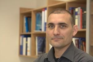 פרופ' אריאל קפלן מהפקולטה לביולוגיה בטכניון