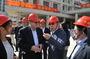 Governor of Guangdong Zhu Xiaodan (right) with Technion President Prof. Peretz Lavie on site at GTIIT new campus