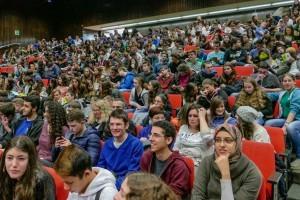 תלמידי תיכון בכנס