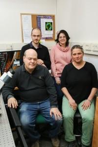 צוות המחקר. מימין לשמאל : פרופ' כנרת קרן, ליטל שני-זרביב, אנטון ליבשיץ ופרופ' ארז בראון