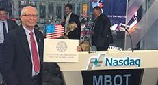 ב-23 בפברואר השתתפו בכירי חברת Microbot Medical בטקס צלצול הסגירה