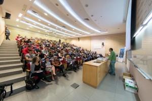 פרופ' זאב גרוס והקהל