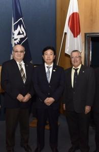 2.נשיא הטכניון פרופ' פרץ לביא (שני משמאל) עם שר המדע, הטכנולוגיה והחלל היפני יוסקה טסורוהו (במרכז), פרופ' בועז גולני, סגן נשיא הטכניון לקשרי חוץ ופיתוח משאבים (שני מימין)