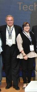"""פרס קרן מאורברגר. בתמונה יו""""ר הקרן דיאנה יאך ואחיה ד""""ר דרק יאך"""