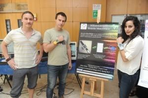 צמידי זיהוי חכמים. (מימין לשמאל) לוריין ראמל, יבגני לונגו וניקיטה דיזהור