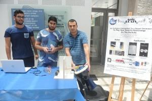 מערכת ללימוד דרבוקה שפיתחו הסטודנטים (מימין לשמאל): מואד מוראד, מוחמד איסמעיל ומוחמד ראיין