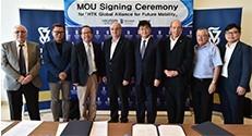 """תמונה קבוצתית. מימין לשמאל : ד""""ר שיוהו צ'וי (יונאי), פרופ' בועז גולני (הטכניון), מתניהו אנגלמן (טכניון), ד""""ר טיי-ואן לים (יונדאי), נשיא הטכניון פרופ' פרץ לביא, פרופ' ג'ונגהו קים(KAIST) פרופ' דאי-שיק קים(KAIST) ופרופ'-מחקר דניאל ויס (טכניון)"""