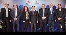 """תמונה קבוצתית, מימין לשמאל : ד""""ר רפאל אהרוני, צ'רלס נג, פרופ'-מחקר אהרן צ'חנובר, לי ג'יאנג, אהובה שפילר, פרופ' פרץ לביא ו CY לאו"""