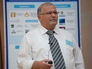 פרופ'-אמריטוס אמיל זולוטויאבקו מהפקולטה למדע והנדסה של חומרים