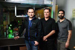 """תמונה קבוצתית (מימין לשמאל) גל הררי, פרופ'-מחקר מוטי שגב וד""""ר מיגל בנדרס"""