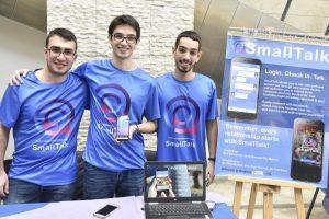קבוצה אחרת פיתחה את SmallTalk - אפליקציה מבוססת מיקום לניהול קשרים חברתיים בעולם האמיתי.