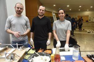 יאן איצקוביץ, ליטל כהן וחן לייבוביץ פיתחו את SushEat - מכונת סושי חכמה לשימוש ביתי ועסקי.