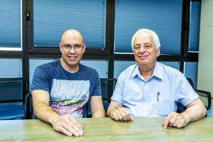 """פרופ' ישראל ולודבסקי(מימין) וד""""ר אורי ברש קרדיט צילום : טל חפץ דוברות הטכניון"""