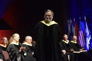 הרב לורד יונתן זקס, פרופ' פרץ לביא ודיקן בית הספר ללימודים מתקדמים פרופ' דן גבעולי