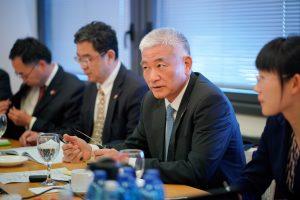 שר המדע והטכנולוגיה הסיני וואנג ז׳יגאנג בפגישה