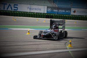 טל ליפשיץ נוהג בפורמולה טכניון בתחרות השנה