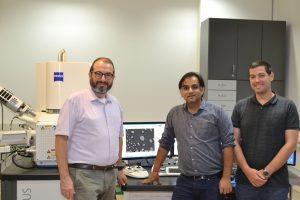 """החוקרים השותפים למחקר. מימין לשמאל: הדוקטורנט נמרוד גזית, הפוסט-דוקטורנט ד""""ר עמית שרמה פרופ' יוג'ין רבקין"""