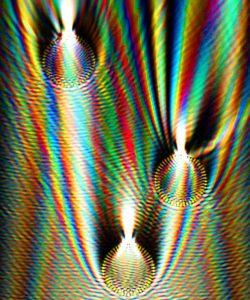 3 spheres in white light