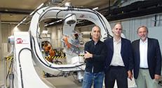 (מימין לשמאל) פרופ' קלאוס שילינג, פרופ' יואב שכנר ופרופ' אילן קורן