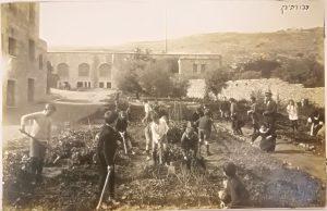בתמונות : נטיעות בבניין הטכניון הישן ונאומו המקורי של מנחם אוסישקין