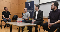 """4. חברי הפאנל. מימין לשמאל: פרופ' דייגו ארנהה, ד""""ר איבו קוביאס, ד""""ר יורם אורן ופרופ' אור דונקלמן צילום : רמי שלוש, דוברות הטכניון"""