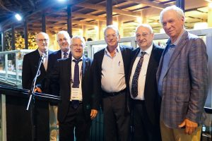 מימין לשמאל : זהר זיסאפל, פרופ' פרץ לביא, יהודה זיסאפל, פרופ' בועז גולני, פרופ' אורי סיון וסקוט לימסטר.