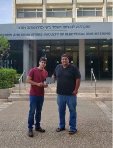 מפתחי המערכת הסטודנטים אדם ברחק (מימין) ואסף יצחק