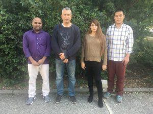 """פרופ' אשרף בריק וקבוצת המחקר שלו. מימין לשמאל: ד""""ר האו סאן, מיקל נוואטה, פרופ' אשרף בריק, ד""""ר גנגה ומיסטי"""