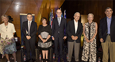 """מקבלי תואר עמית כבוד לשנת 2019. מימין לשמאל : ד""""ר גדעון שטיין, מרלין ויוג'ין שפירו, פרופ' ד""""ר תומס שפר, לינדה קובן, מיטשל ג'וליס ושרה ארנסון"""