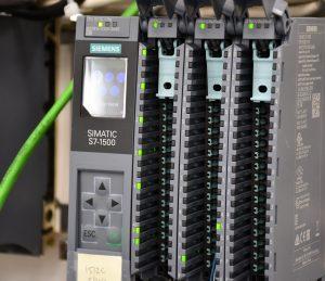 תמונת הבקר מדגם Plc-s7-1500 של סימנס
