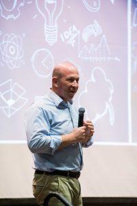 סגן נשיא הטכניון לקשרי חוץ ופיתוח משאבים, פרופ' אלון וולף שפתח את האירוע