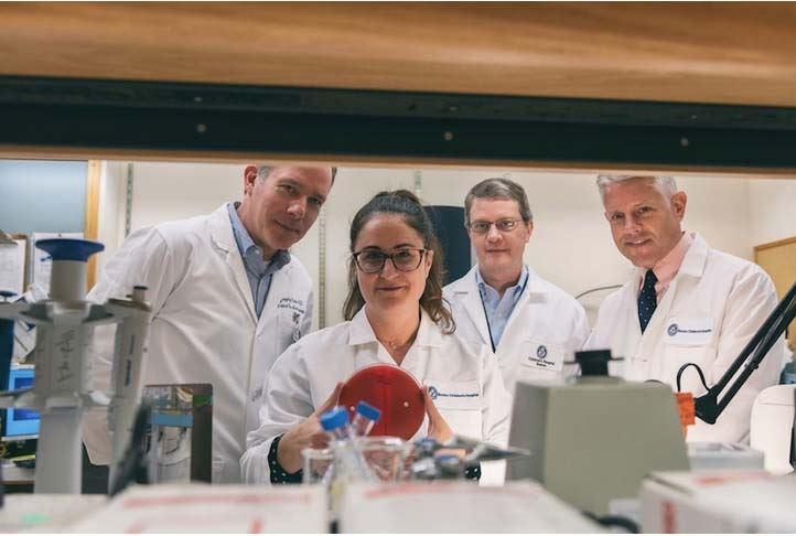 צוות המחקר מבית החולים לידים בבוסטון משמאל לימין - פרופ' גרגורי פריבי, כריסטינה מראקו, אלסנדר מקאדם ופרופ' תומאס סנדורה