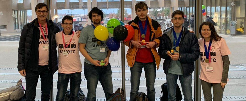 מימין לשמאל: נופר כרמלי (מאמנת), ארטיום שטפן, ולודימיר פולוסוחין, יבגני ז'לטוניז'סקי, גיל בן-שחר (מאמן), ופרופ' גיל ברקת (מנחה אקדמי)