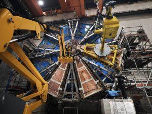 הגלגל קטן, בבניה עכשיו © 2020 CERN